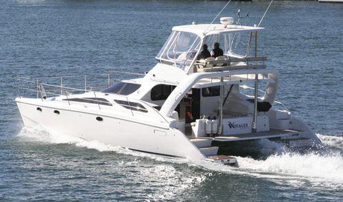 catamaran express cruiser / inboard / flybridge / sport-fishing