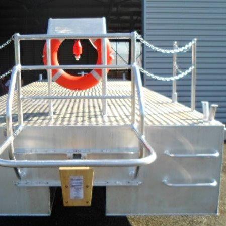 Inboard work barge / aluminum BORD A BORD