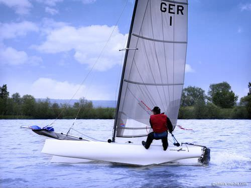regatta sport catamaran / single-handed / single-trapeze / asymmetric spinnaker