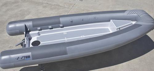military boat / patrol boat / work boat / passenger boat
