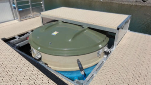 wastewater treatment system / for boats