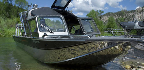 Inboard day fishing boat / hydro-jet / 9-person max. 23 ULTRA MAGNUM Duckworth