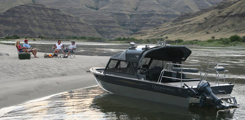 Inboard day fishing boat / hydro-jet / 9-person max. 24 ULTRA MAGNUM Duckworth