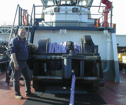 tugboat winch / towing / hydraulic drive / single-drum