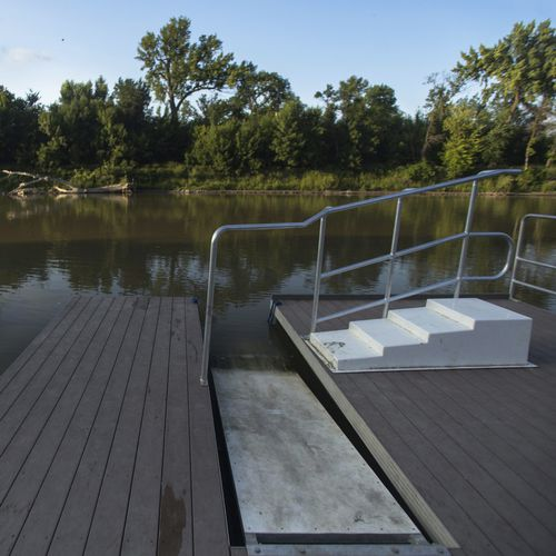 modular dock / floating / drive-on / canoe/kayak