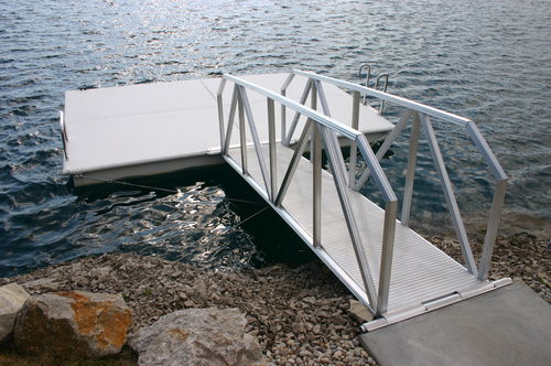 dock gangway / floating / with handrails