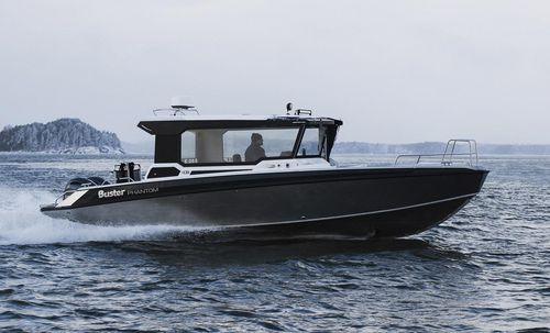 outboard cabin cruiser / twin-engine / hard-top / wheelhouse