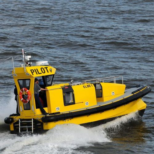 pilot boat / inboard / self-righting
