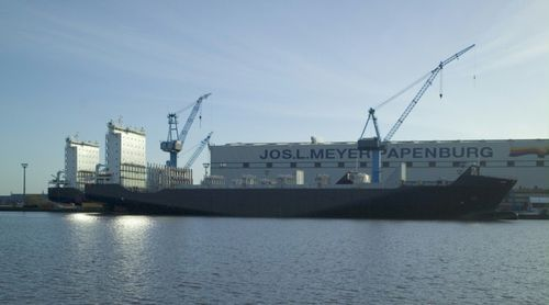 container ship cargo ship / ice-class