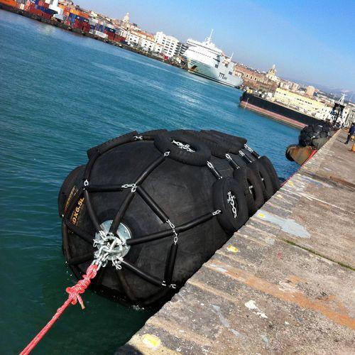 harbor fender / for ships / pier / Yokohama