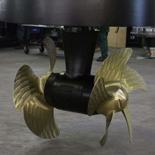 bow thruster / for ships / twin counter-rotating propellers / Z-drive
