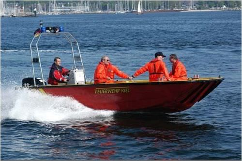 rescue boat / outboard
