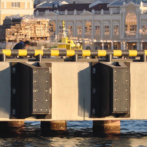 harbor fender / pier / V-shaped
