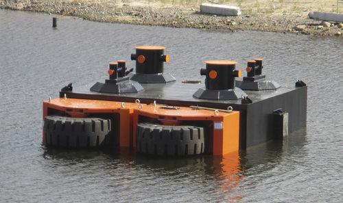harbor fender / dock / wheel