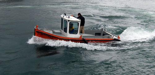 harbor service boat / tugboat / inboard / aluminum