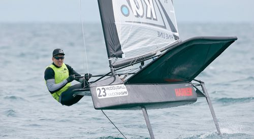 single-handed sailing dinghy / regatta / foiling / Moth