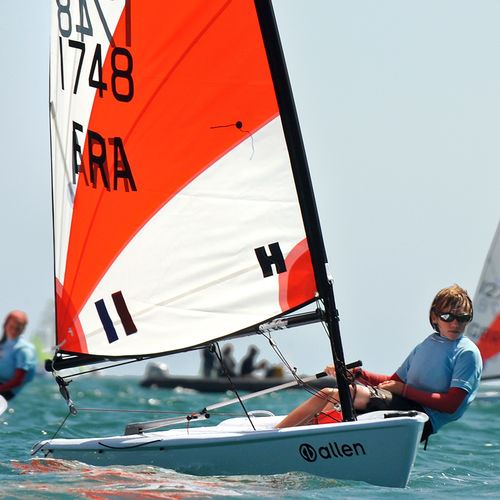 single-handed sailing dinghy / children's / instructional / regatta