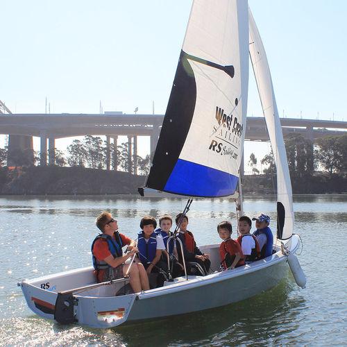 multi-person sailing dinghy / recreational / instructional / asymmetric spinnaker