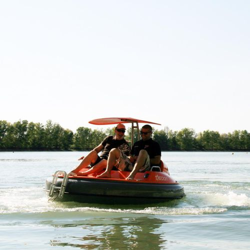 aquatic center boat / electric