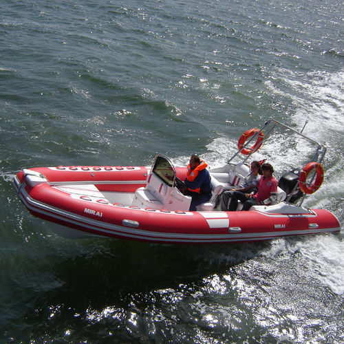 outboard inflatable boat / RIB / center console / navigation