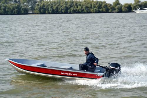 outboard small boat / open / aluminum / classic