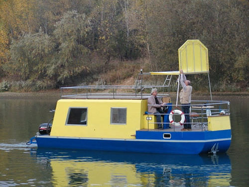 outboard houseboat / canal / 2-cabin