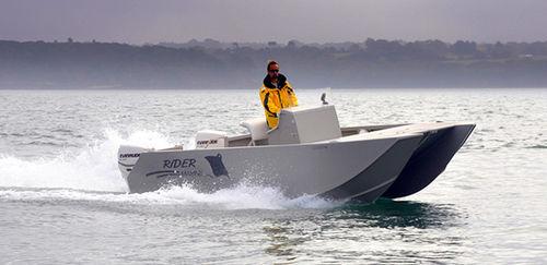 center console catamaran / outboard / twin-engine / center console