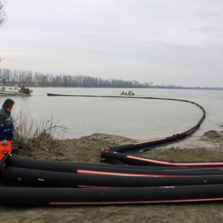 Pollution-control boom / inflatable / floating VBGH Vira Soluzioni