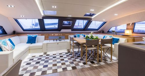 Catamaran / ocean cruising / flybridge / 4-cabin PRIVILEGE SERIE 6 Privilège Marine