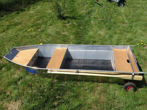 outboard small boat / open / fishing / aluminum