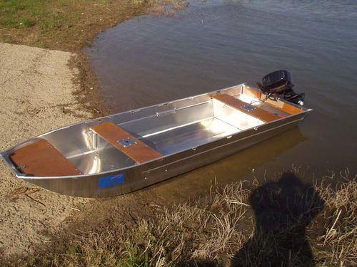 outboard small boat / sport-fishing / aluminum / 5-person max.