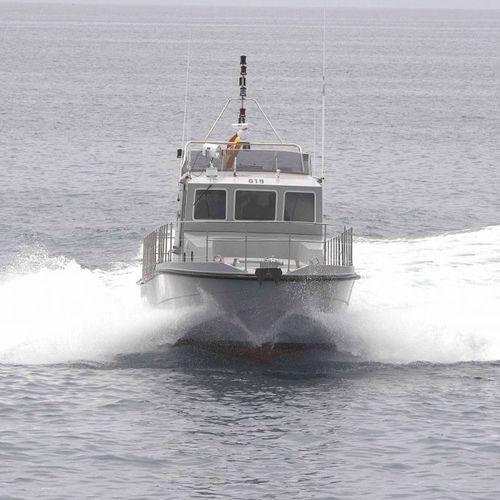 patrol boat / inboard waterjet
