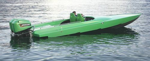 outboard runabout / twin-engine / dual-console / sport