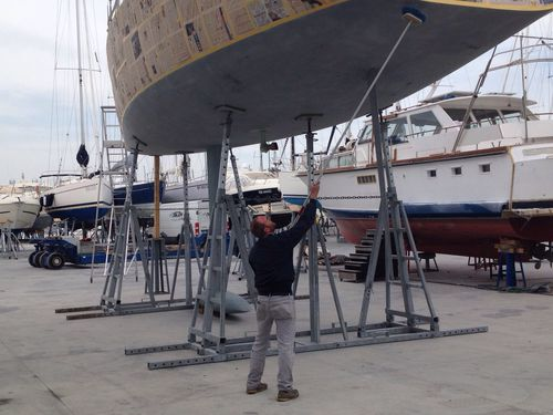 sailboat cradle / adjustible tilt
