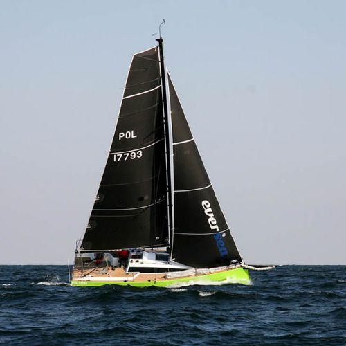 monohull / sport keelboat / open transom / 1-cabin