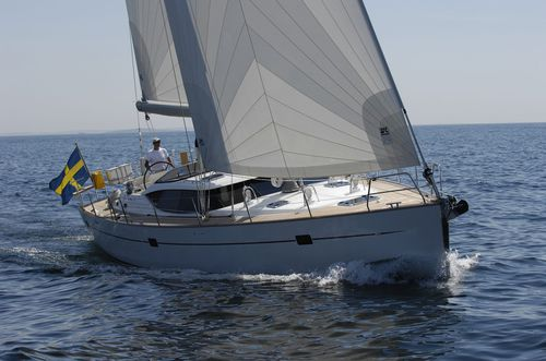 cruising sailing yacht / deck saloon / center cockpit / with 4 or 5 cabins