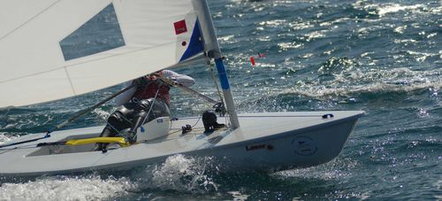 single-handed sailing dinghy / regatta / single-trapeze / Laser