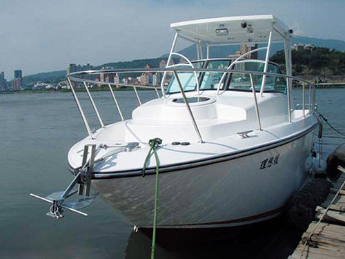 Inboard express cruiser / open / 6-person max. / with T-top 27' Weihai Xigang Yacht Co., Ltd.
