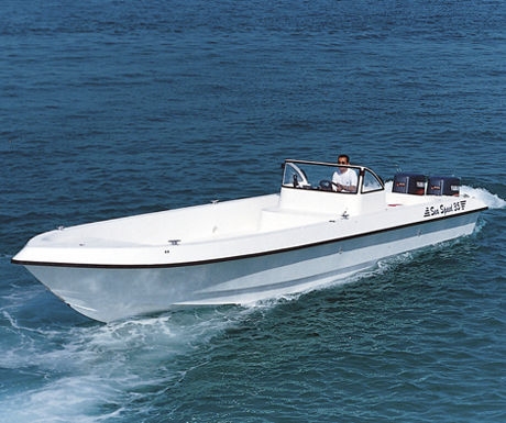 outboard center console boat / twin-engine / open / sundeck