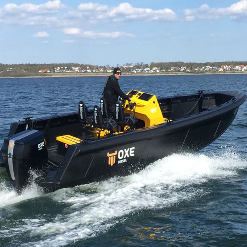 patrol boat / outboard / HDPE