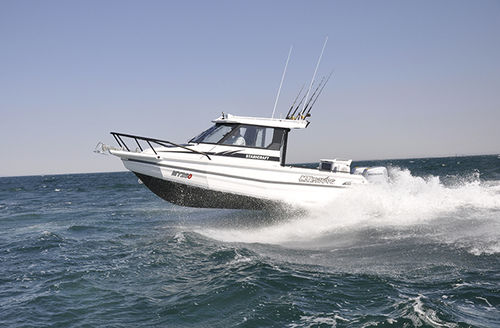 outboard walkaround / with enclosed cockpit / sport-fishing / 9-person max.