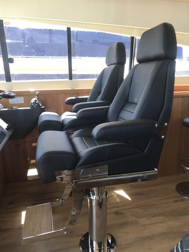 boat seat / for yachts / with armrests / high-back