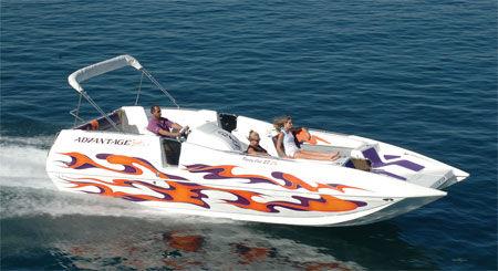 catamaran-deck-boat-in-board-20684-18382