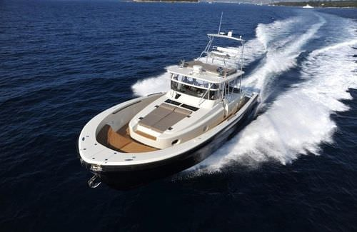 luxury yacht : downeast motor-yacht BG60' Blue Game