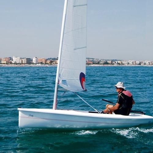 single-handed sailing dinghy : cat boat X 14' CNA Cantiere Nautico