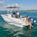 outboard center console boat / open / center console / sport-fishing