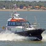 inboard pilot boat / self-righting
