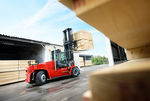 Port and terminal Ro-Ro forklift truck (side-lift) DCG90-180 | 9T-18T Kalmar Industries