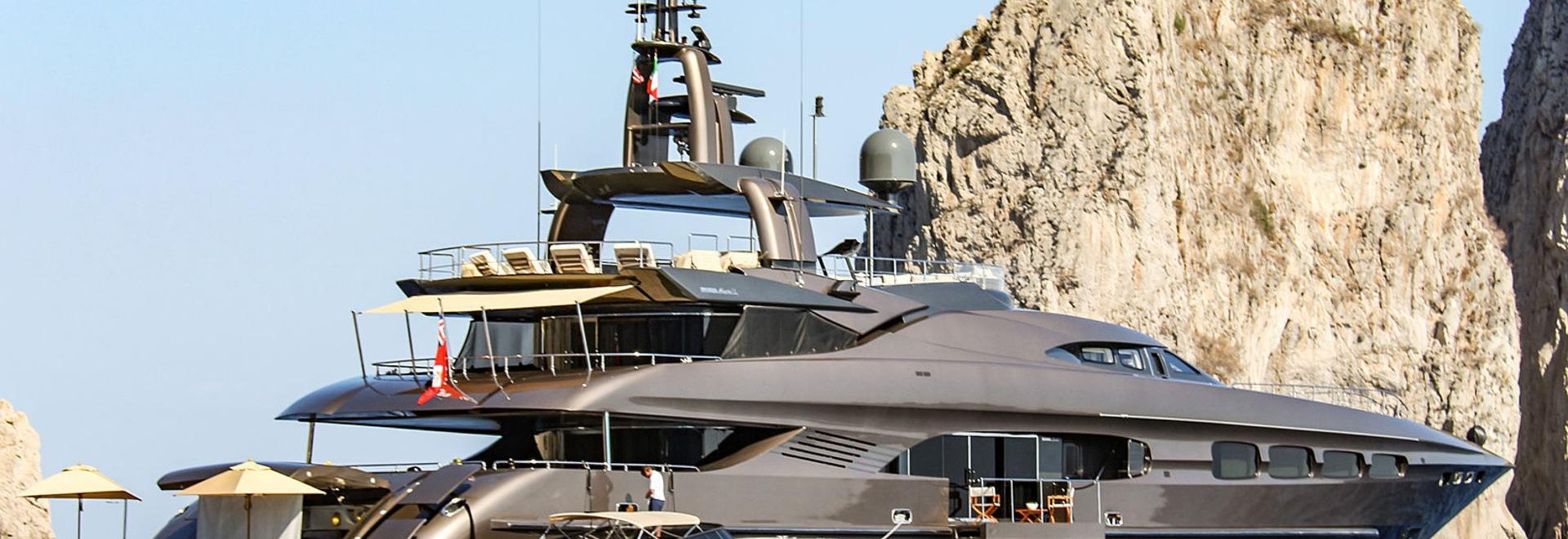 Auspicious at anchor in Capri