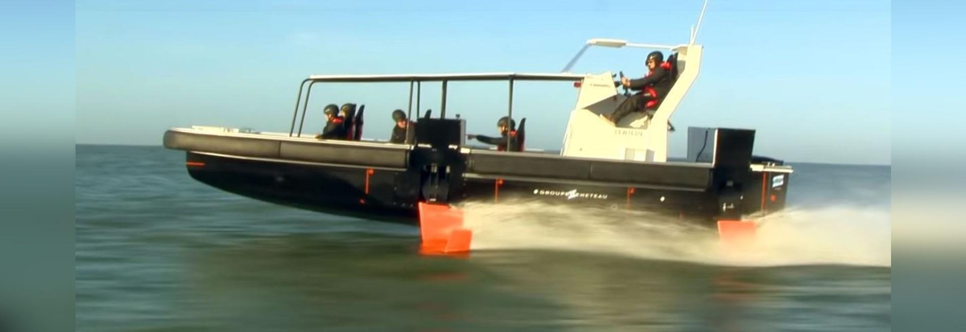 Groupe Beneteau unveils its first motor foiler